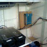 nieuwe acculader in de machinekamer
